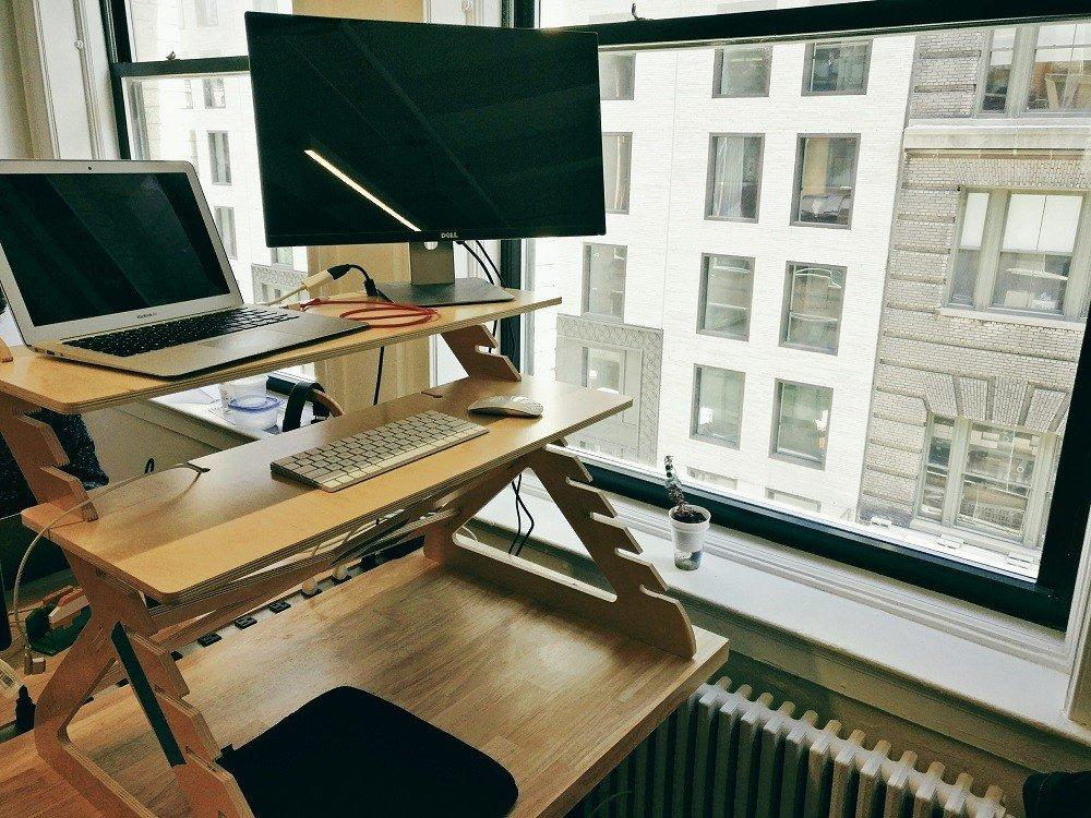 Eduardo Yi's work desk